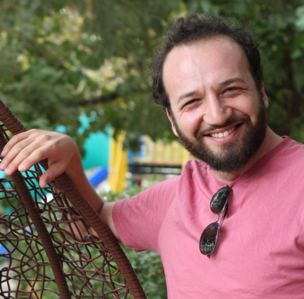 İbrahim is a voice over actor